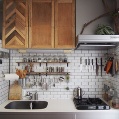 壁面収納/キッチン収納/流木/ホワイトタイル柄/壁紙屋本舗/ラブリコ/... キッチン模様替え完了しました♪ 気になっ…