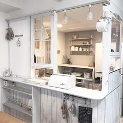 あけおめ/フォロー大歓迎/おうち/DIY/キッチン/キッチン雑貨/... キッチン周り。カウンター上に、窓枠作った…