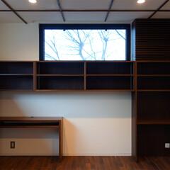 がらり/エアコンガラリ/新築/書斎/書斎スペース/注文住宅/... ご主人のデスクや本が納まる書斎スペースで…