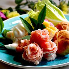 鍋物/胡麻味噌鍋物/フォロー大歓迎 こんばんば^ ^ 今夜の夕飯です。 娘の…