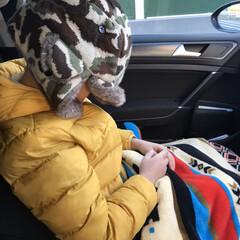 防寒防備/おでかけ/ファッション 朝は寒かった❄️ 寒いのが苦手な息子は、…