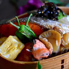 帆立旨煮/リミアな暮らし/紅鮭/お弁当 こんにちは^ ^  暖かな朝のスタートで…(1枚目)