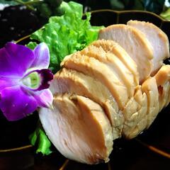 サラダチキン/グルメ/フード/おうちごはん 塩麹でしっとり柔らかなサラダチキン ^ …