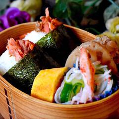 だしまきたまご/筑前煮/紅鮭/お結び/フォロー大歓迎/LIMIAファンクラブ/... おはようございます😊 今日のお弁当です。…(1枚目)