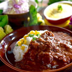 リミアな暮らし/夕飯/サラダ/ハヤシライス こんばんは^ ^  暖かな日中で、とても…