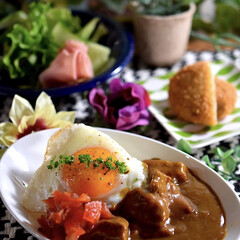 野菜サラダ/リミアな暮らし/ビーフカレー/暮らし こんばんは^ ^  今夜は食べたかったビ…