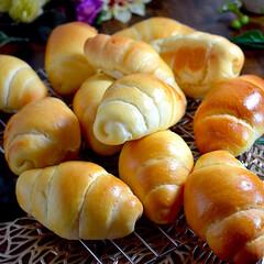 手作りパン/おやつ/我が家の定番/バターロール/練乳/バタークリーム/... こんばんは^ ^  今日のバターロールは…