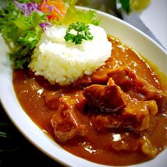 牛肉ゴロゴロカレー/無水カレー/フォロー大歓迎 こんばんは^ ^  今夜の夕飯です☘️ …