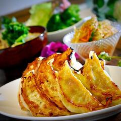 春雨サラダ/豚汁/野菜サラダ/お土産/餃子 こんばんは^ ^ 今日の夕飯です  今日…