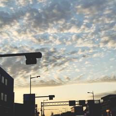 雲/イマソラ/風景 今日の空  クッキリ別れた不思議な雲😳 …