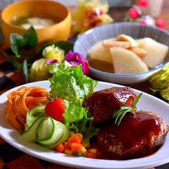 リミアな暮らし/大根と油揚げの煮物/豆腐ワカメスープ/ハンバーグ こんばんは^ ^  今日お休みだったので…