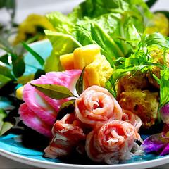 食材整理/水炊き/フォロー大歓迎 今夜の夕飯です。 今夜は食材整理です。 …