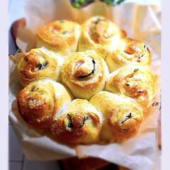 リミアな暮らし/手作りパン/惣菜パン/ちぎりパン/バジル/チーズ/... こんばんは^ ^  今夜は久しぶりにちぎ…