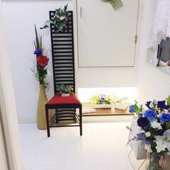 玄関あるある/インテリア/100均/スリッパ収納/花/玄関 【1枚目】 玄関には、花がいっぱいです。…