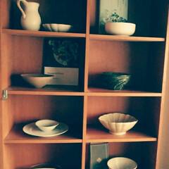 インテリア/食器/花器 元本棚にお気に入りの食器たちを置いていま…