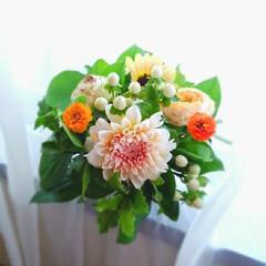 生花/アレンジ すみません💦窓辺からです✨