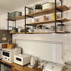 ウォールシェルフ/LIMIAな暮らし/コーヒーグッズ/見せる収納/バルミューダ/名古屋モザイクタイル/... 夜のキッチン。 ペンダントライトの明かり…