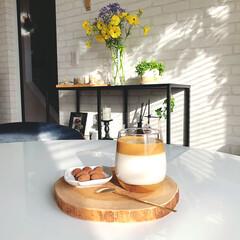 花のある暮らし/北欧インテリア/北欧モダン/おうちカフェ/コーヒータイム/イケア/... ある日のおやつ。 タルゴナコーヒーとアー…