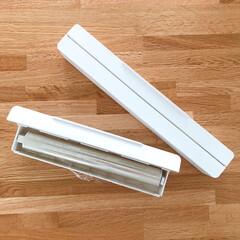 山崎実業 tower マグネットラップホルダー | 山崎実業(ラップ、ペーパータオルホルダー)を使ったクチコミ「わが家のラップ収納はここ。 冷蔵庫横。 …」(2枚目)