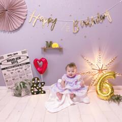 生後6ヶ月/赤ちゃんのいる暮らし/ハーフバースデー/バースデーフォト/セルフバースデーフォト/雑貨/... 今日は次女のハーフバースデー✨ ・ あっ…