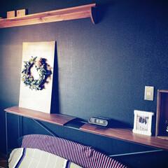 寝室の壁/悩む悩む おはようございます😃  我が家の寝室の壁…