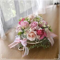 リース/雨季ウキフォト投稿キャンペーン/シンデレラフィット/雑貨/LIMIA手作りし隊/ハンドメイド/... ドーム型のベースに ピンク系の薔薇のソー…