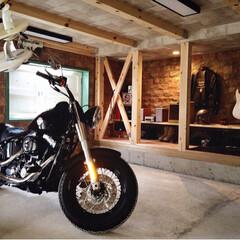 秘密の場所/バイクガレージ/ガレージ/アメリカンテイスト/カリフォルニアスタイル/男前インテリア/... 我が家の半地下室。夫の趣味部屋になってい…