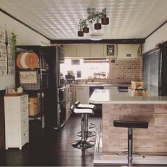観葉植物 フェイクグリーン スマイラックスリーフバイン 〔×24本入り〕アレンジメント/インテリア(人工観葉、フェイクグリーン)を使ったクチコミ「我が家のキッチン全体です。 古いキッチン…」