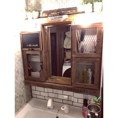 ブログやってます/洗面台/お金をかけないインテリア/すのこと廃材で作った棚/洗面所リメイク/ありがとう平成/... 洗面台のリメイクシート一部張り替えました
