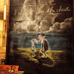 お金をかけないインテリア/週末/黒板落書き/ブログも書いてます/黒板アート/玄関/... メインの玄関特大黒板落書き終了❗️