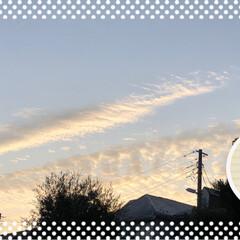 雲/太陽/夕日/秋の空/次のコンテストはコレだ!/フォロー大歓迎 今朝の空です。 2枚目は先週水曜日の夕日…