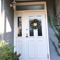 ドアリース/玄関 玄関ドアのリース替えました❤︎*。