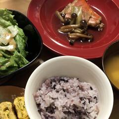 ご飯/おすすめアイテム/暮らし/フォロー大歓迎 今日の夜ご飯は金目鯛の煮付け、だし巻き卵…(1枚目)
