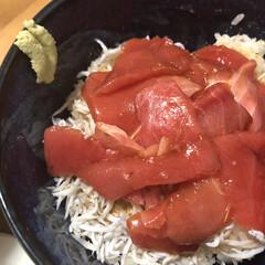 おひるごはん/丼物/料理/おうちごはん/ランチ/簡単/... 暑い日はさっぱり酢飯で漬け丼! 薬味がな…