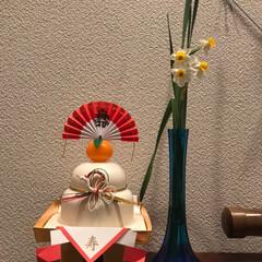 あけおめ 毎年恒例のお花🌸 花材も今年は庭の南天、…