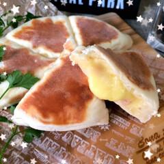 100均/セリア/ダイソー/生活雑貨/キッチン/ランチ/... チーズとろ〜りチーズナン  この形が可愛…