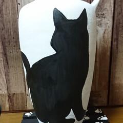 黒猫/花瓶リメイク🖌️/次のコンテストはコレだ!/雑貨/ハンドメイド デカイ花瓶にくーちゃん🐈書きました🖌️
