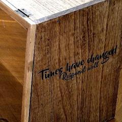 ニッペ ブライワックス トルエンフリー 370ml ミディアムブラウン/370ml(ペンキ、塗料)を使ったクチコミ「週末お家時間DIY🛠️ 特大カフェ風Cu…」(2枚目)
