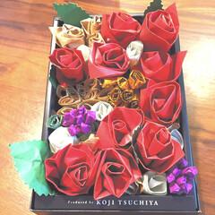 クラフト紙/折り紙/色画用紙/空箱/クリスマス/ハンドメイド お菓子の空箱で作ったプリザーブド風バラの…