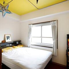 寝室/ベッドルーム/天井/アクセントカラー/イエロー/壁/...