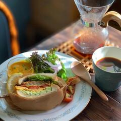ノリタケRC/レトロ食器/おうちカフェごはん/おうちカフェ/朝食/朝ごパン/...  久しぶりの投稿😹  今朝は昨日の残りの…