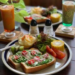 ワンプレート/朝食/朝ごパン/朝ごはん/レトロ食器/暮らし/... 今日の朝ごパン  アボカドトマトチーズト…(2枚目)