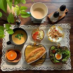レトロ食器/レトロ/おうちカフェごはん/おうちカフェ/朝食/朝ごパン/...  今朝の朝ごパン  バナナ🍌ブレッド サ…