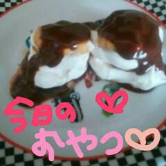 チョコレート🍫/ホイップクリーム/ビスケット/簡単ケーキ/フード/グルメ/... ビスケット🍪ホイップクリーム。チョコレー…