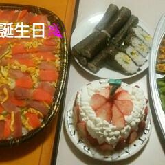 誕生日お祝い/誕生日ケーキ/誕生日 昨日2/17は娘の誕生日でした🎉 生ちら…
