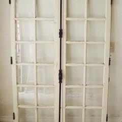 フランスアンティーク/フランスアンティークウィンドウ/フランスアンティーク窓/クレモン錠/店舗什器/アンティーク窓/... フランスにて買付けました。ホワイトにペイ…