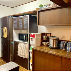 食器棚/リメイクシート/古民家風/ダイソー/100均/DIY/... 食器が丸見えだった食器棚のガラスに 10…