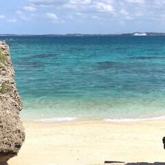 旅行/南の島/沖縄/宮古島/宮古ブルー/青い海/... 雲が流れて青空が広がると海もますます綺麗…(1枚目)