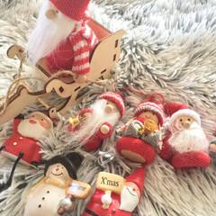 クリスマス2019/クリスマス/サンタクロース/ディスプレイ/インテリア/リビング/... 我が家のミニミニサンタさん大集合。 この…