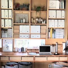 私の家のここが好き/私の家/ここが好き/棚/収納/片づけ/... パソコンコーナー上の棚は飾り棚と収納を兼…